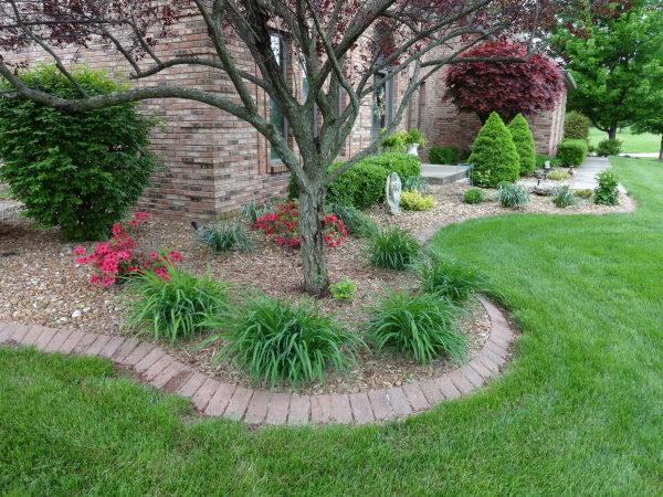 Landscape Bed Weed Control in Rock Landscaping